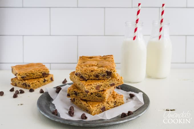 You and the whole family will love this chocolate chip blondies recipe!