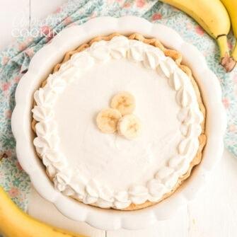 overhead view of whole banana cream pie