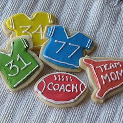 A photo of football jersey cookies.