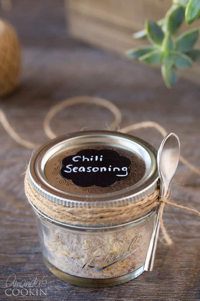 Cute labels turn homemade chili seasoning into a darling gift