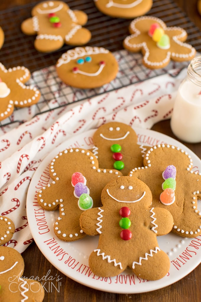 PLATE OF GINGERBREAD MAN COOKIES