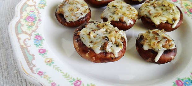 Mozzarella Parmesan Stuffed Mushrooms