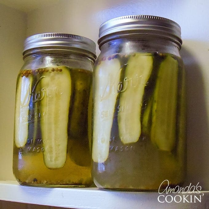 How to make pickles out of cucumbers
