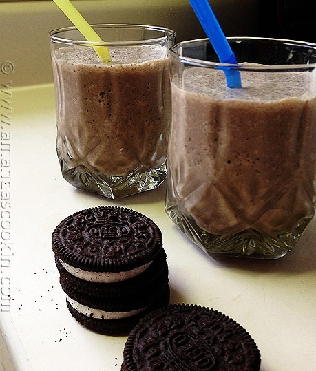 Chocolate Hazelnut Coffee Milkshake - AmandasCookin.com