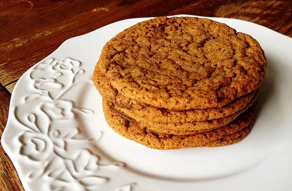 Sugar Topped Molasses Spice Cookies - AmandasCookin.com