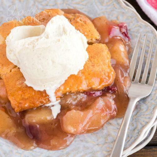 apple cranberry crisp with vanilla ice cream