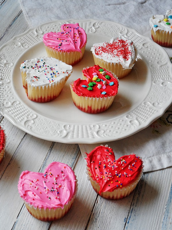 Easy Heart Shaped Valentine Cupcakes from AmandasCookin.com