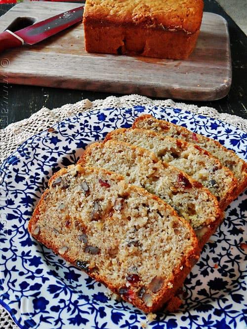 Cranberry Pecan Banana Bread - AmandasCookin.com
