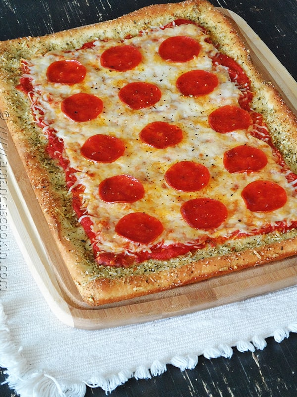 A photo of garlic bread crusted classic pizza.