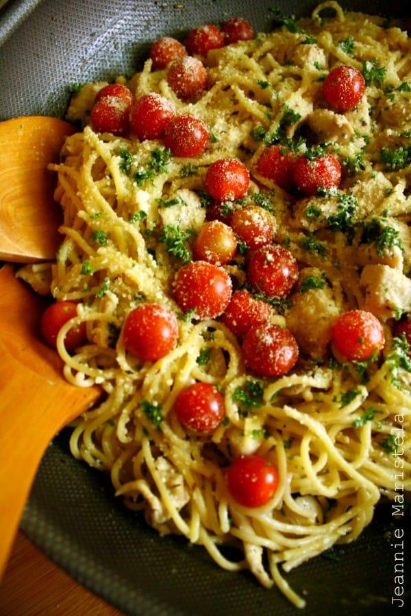 15 Chicken Recipes for Dinner - Spaghetti in Garlic Gravy with Herbs