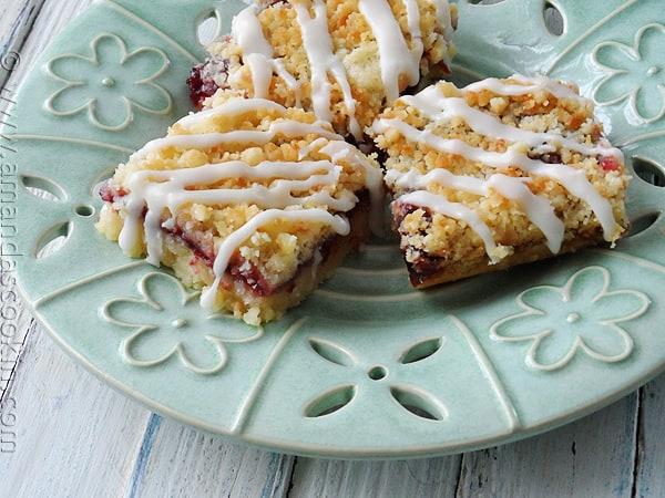 Must make these! Cherry Berry Streusel Dessert Bars via AmandasCookin.com @amandaformaro