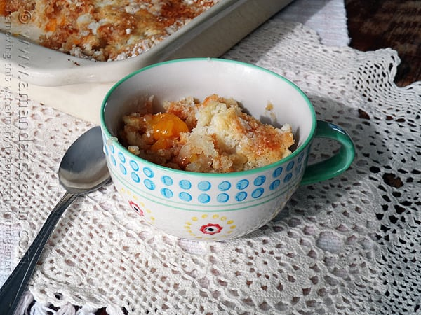 3 Ingredient French Vanilla Peach Cobbler @amandaformaro Amanda's Cookin'