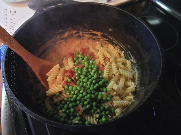 Rotini, Peas and Cheese @amandaformaro Amanda's Cookin'