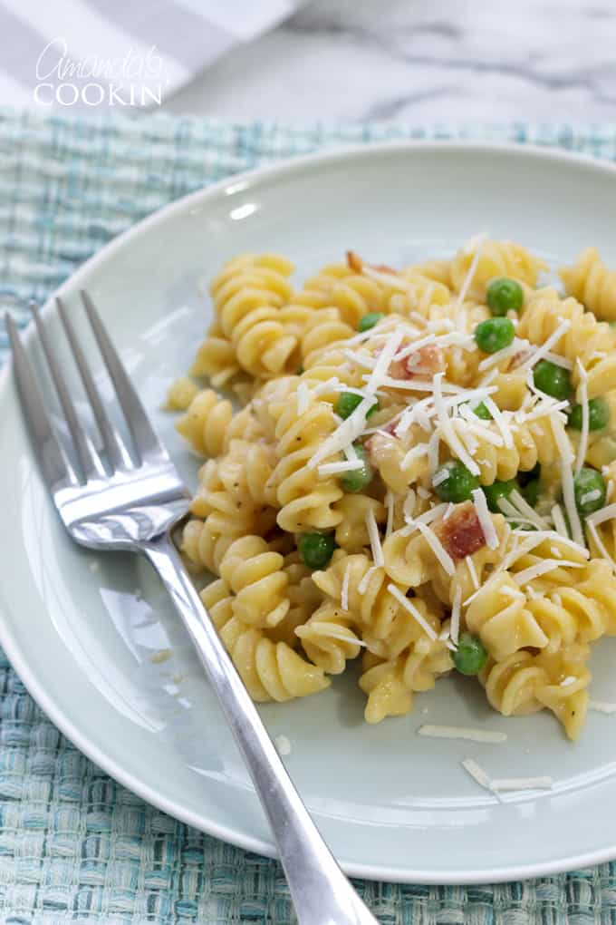 Rotini with peas and cheese