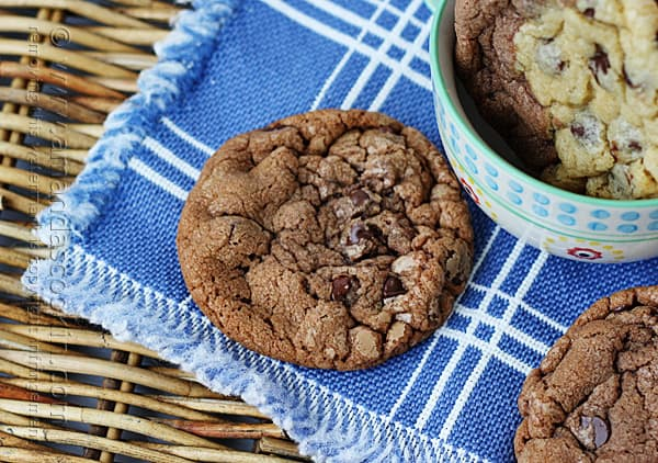 Black and White Chocolate Chip Cookies @amandaformaro Amanda's Cookin'