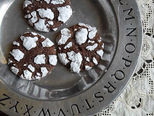 Chocolate Snow Cookies @amandaformaro Amanda's Cookin'