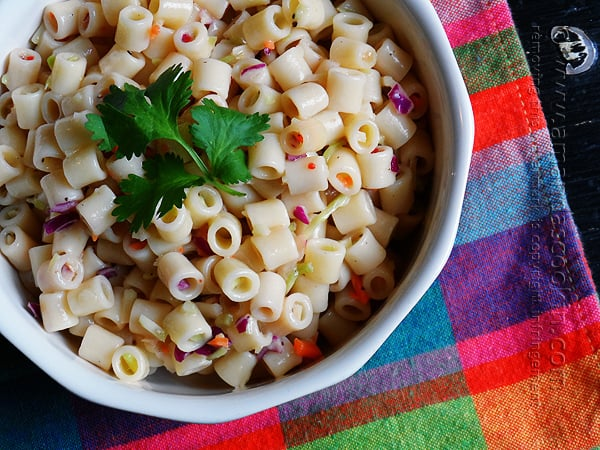 What a great idea! This will definitely save me time - 3 ingredient pasta salad!