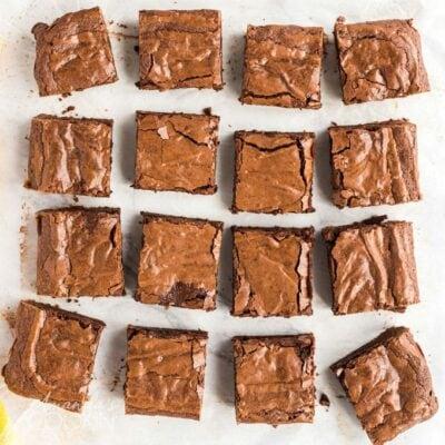 cut fudge brownie squares