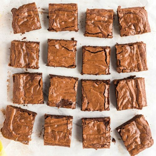 cut fudge brownie squares