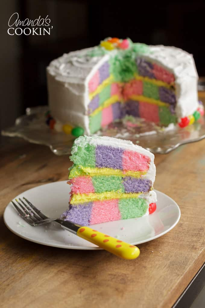 With Easter right around the corner, I thought this was the perfect opportunity to make a pastel checkerboard cake!