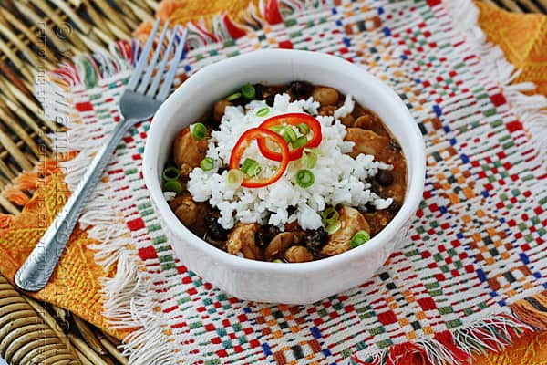 Delicious! This 3 Bean Salsa Chicken for the slow cooker is going on my list!