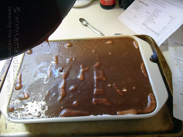 Add the melted chocolate mixture over the marshmallow creme
