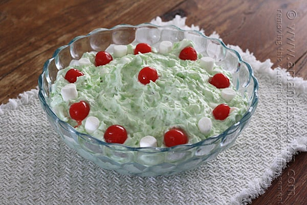 This is one of my FAVORITE vintage recipes: Watergate Salad! - Amanda's Cookin'