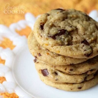 These orange chocolate chip cookies remind me of the orange chocolate ball that comes in pre-cut slices that I get for Christmas every year.