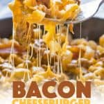 Bacon Cheeseburger Pasta combines elbow macaroni, ground beef, and bacon along with cheddar and mozzarella cheeses for a hearty weeknight family dinner! #bacon #cheeseburger #pasta #cheese #dinner #easydinner #weeknightdinner #dinnerrecipes #pastarecipes #groundbeefrecipes #onepot #skillet