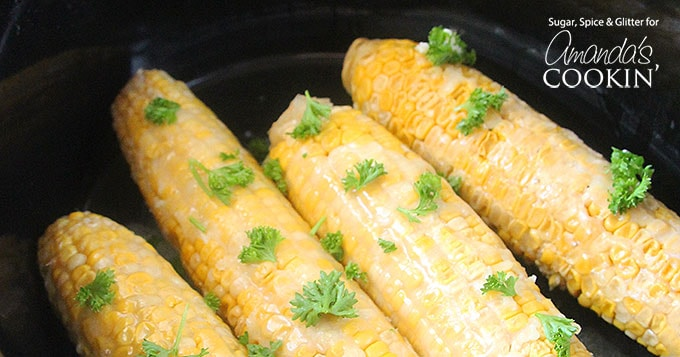 Making corn on the cob in your slow cooker is easy! Follow the simple instructions for this crockpot corn on the cob and you'll be a regular fan.