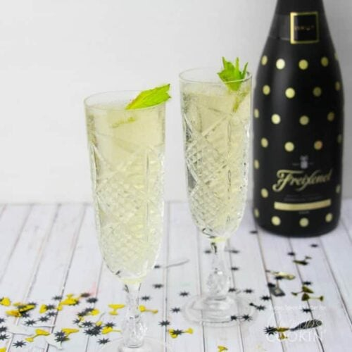 Fizzy Julep: a champagne twist on the Mint Julep cocktail