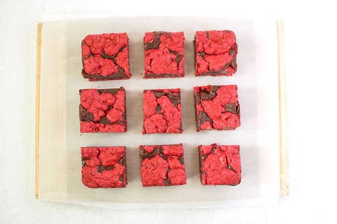 How to make Red Velvet Oatmeal Fudge Bars