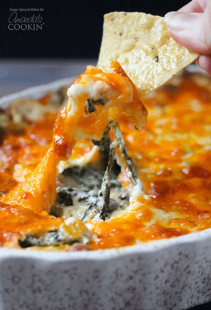 spinach dip with chip
