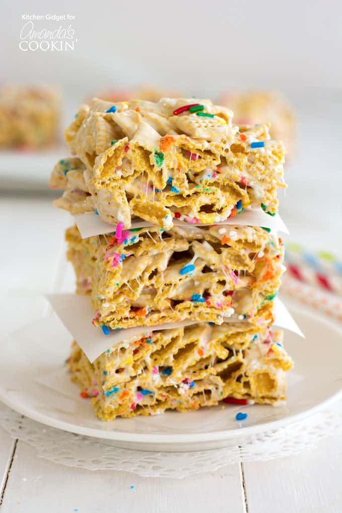These funfetti marshmallow cereal bars are made with crispy cereal, marshmallows and rainbow sprinkles.