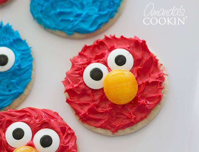 Elmo Cookies! Super cute elmo cookies are great for a birthday party :)