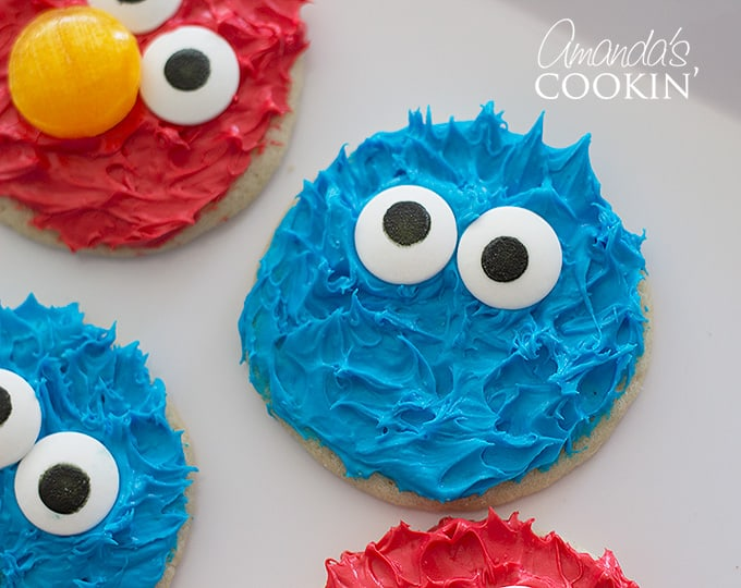 Cookie Monster Cookies! Super cute cookie monster cookies are great for a birthday party!
