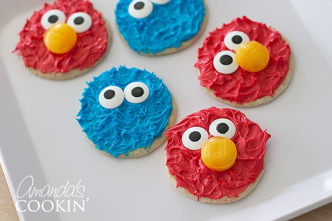 Cookie Monster and Elmo Cookies: perfect for a Sesame Street, Elmo or Cookie Monster birthday party!