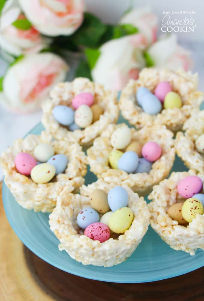 If you're looking for a quick and easy Easter dessert, or a fun Easter activity to keep the kids busy, these Rice Krispie Nests are a delicious choice!