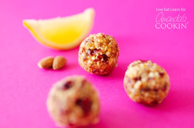These cranberry breakfast bites are the perfect healthy morning pick-me-up, don't you agree?