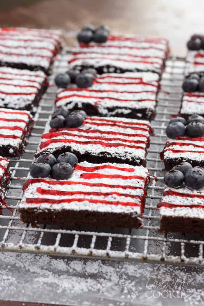 How to make American Flag Brownies for your Memorial Day or Fourth of July barbecue party!