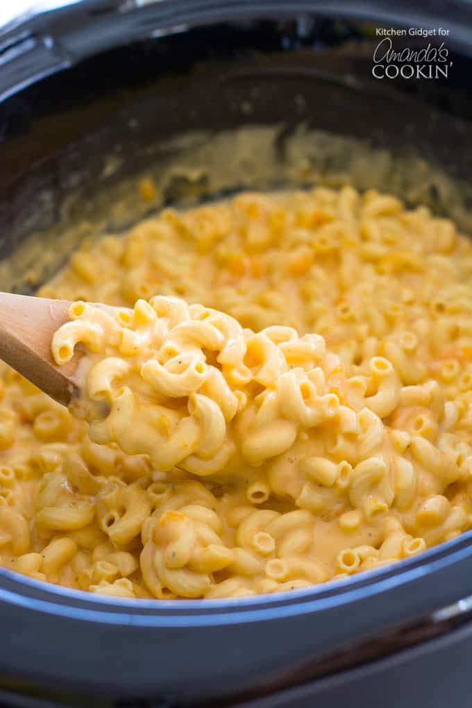 Creamy Crockpot Macaroni and Cheese