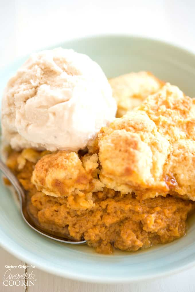 Pumpkin cobbler with ice cream