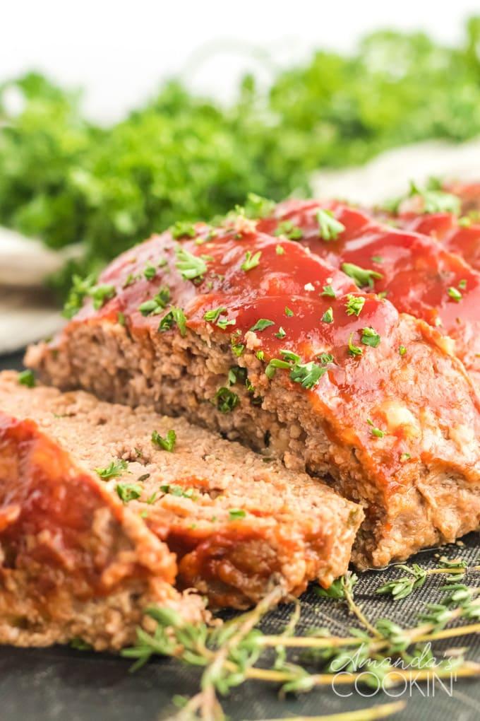sliced meatloaf with ketchup glaze
