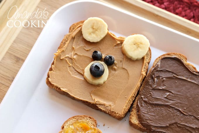 paddington bear toast - add bananas