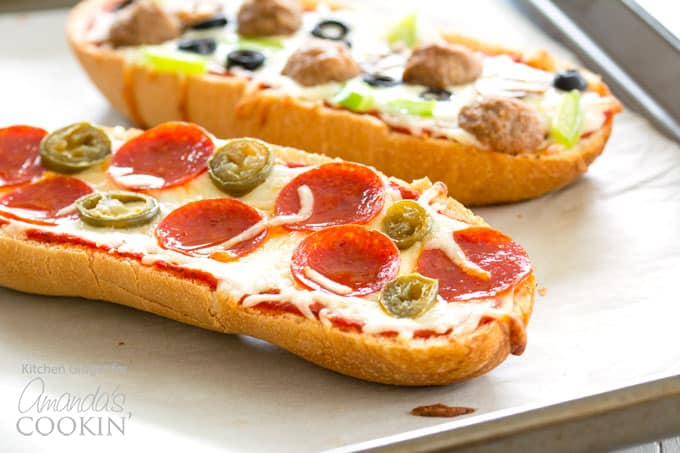 French bread pizza is also a great way to use up leftovers in the refrigerator! This is a fun recipe that kids can make for dinner or slumber parties.