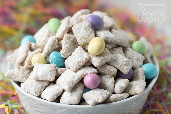 pastel colored M&M'sin easter muddy buddies