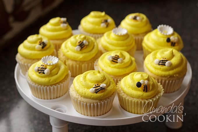 Make your own bee cupcake toppers using candy melts