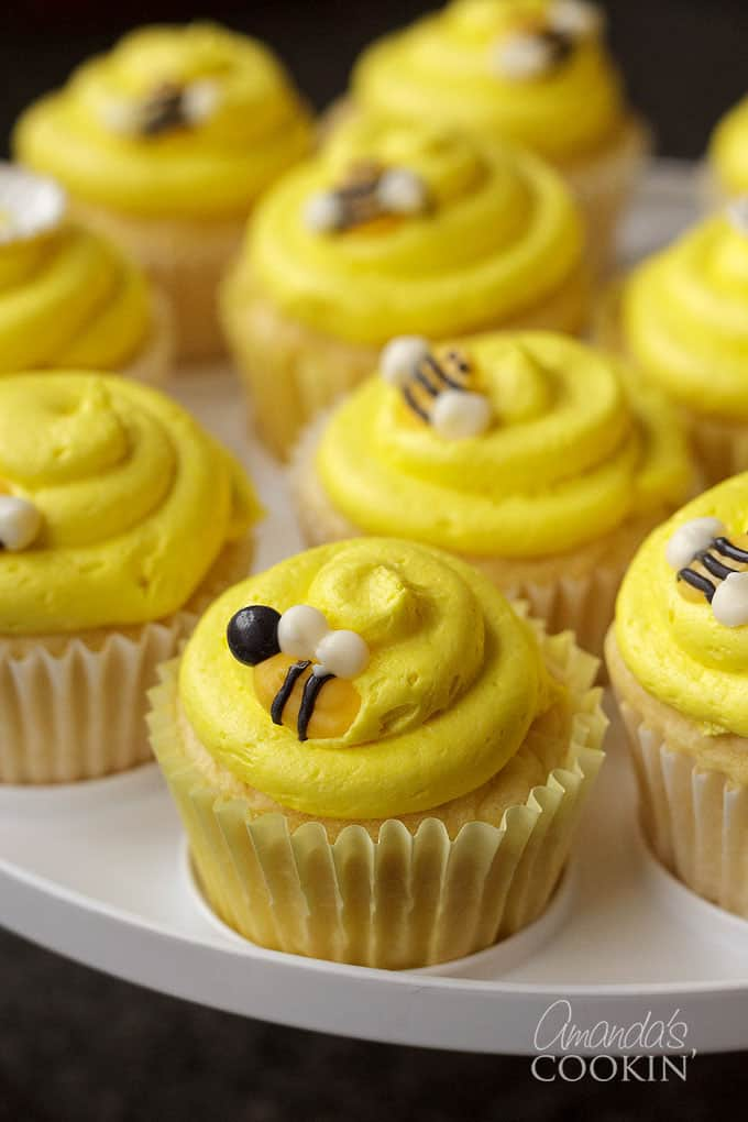 Learn how to make your own Bee Cupcake Toppers from candy melts! So cute!