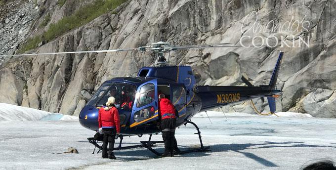 Mendenhall Glacier - helicopter Tour in Alaska