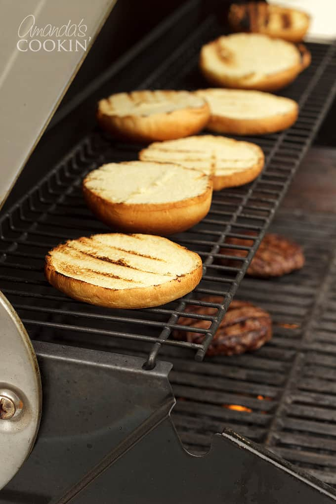 buns on grill